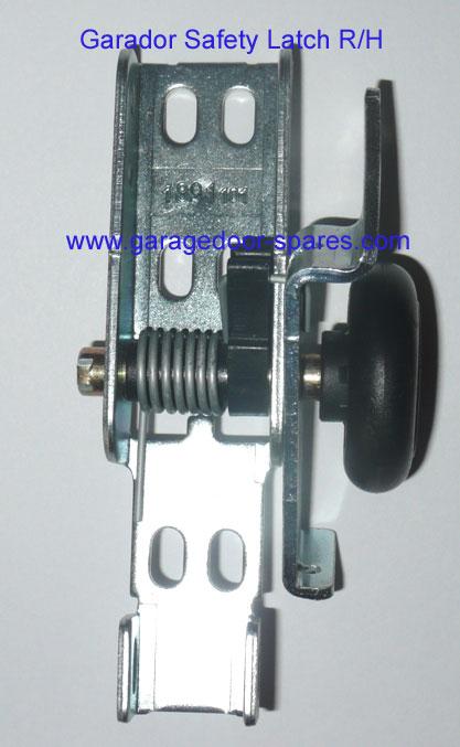Garador Safety Latch And Roller Wheel R H Garage Door Spares