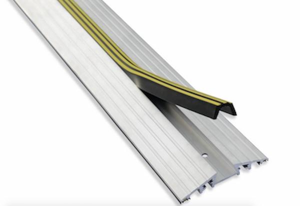 8.0m Long 25mm High Aluminium Garage Door Roller Shutter Aluminium Rubber Ground Seal for Factory Warehouse